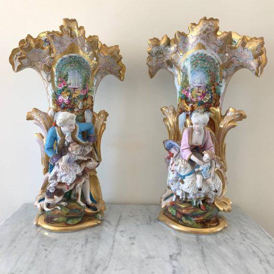 Антикварные вазы мануфактуры Vieux Paris
