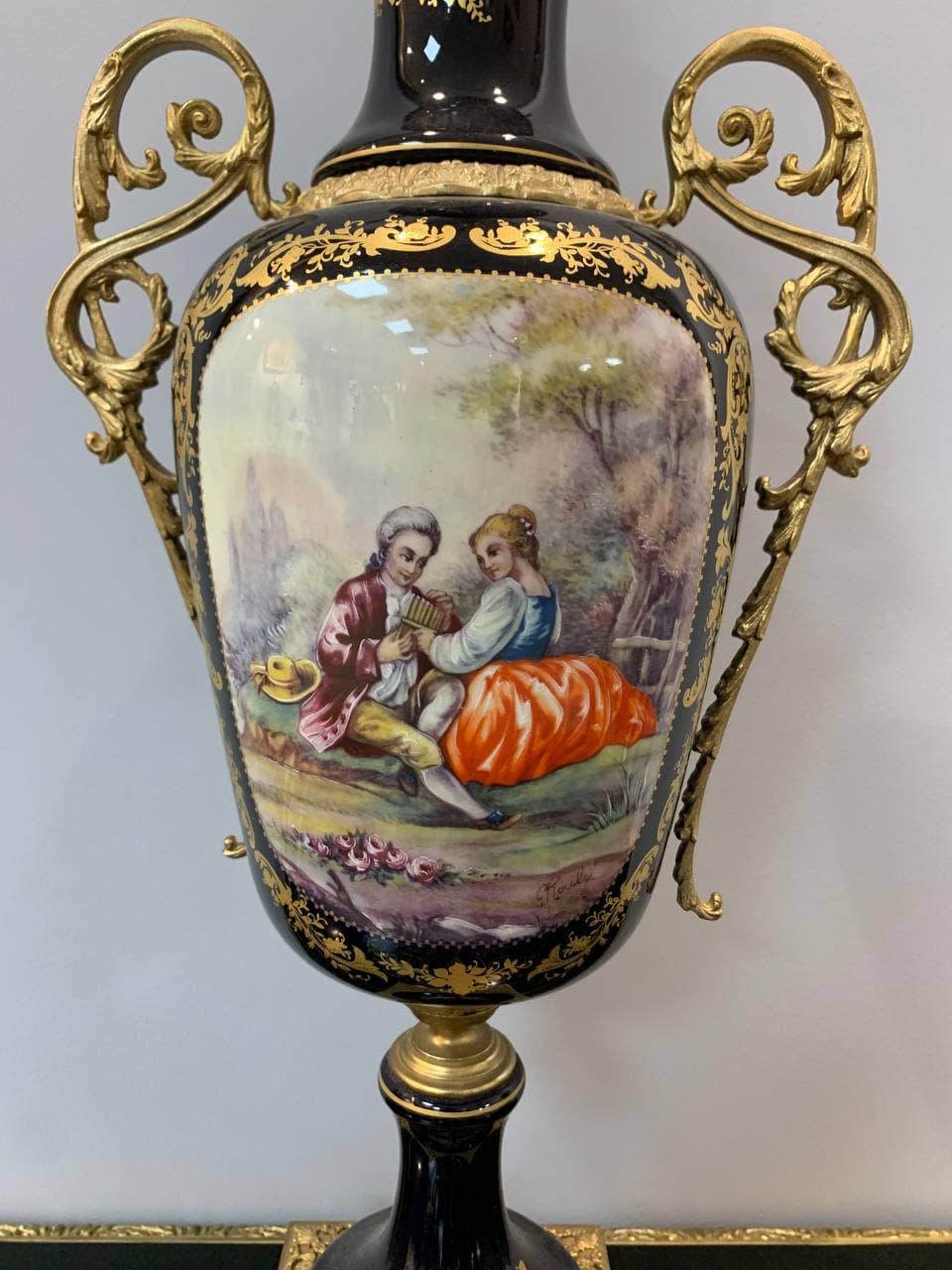 Антикварная ваза от Limoges  с ручной росписью