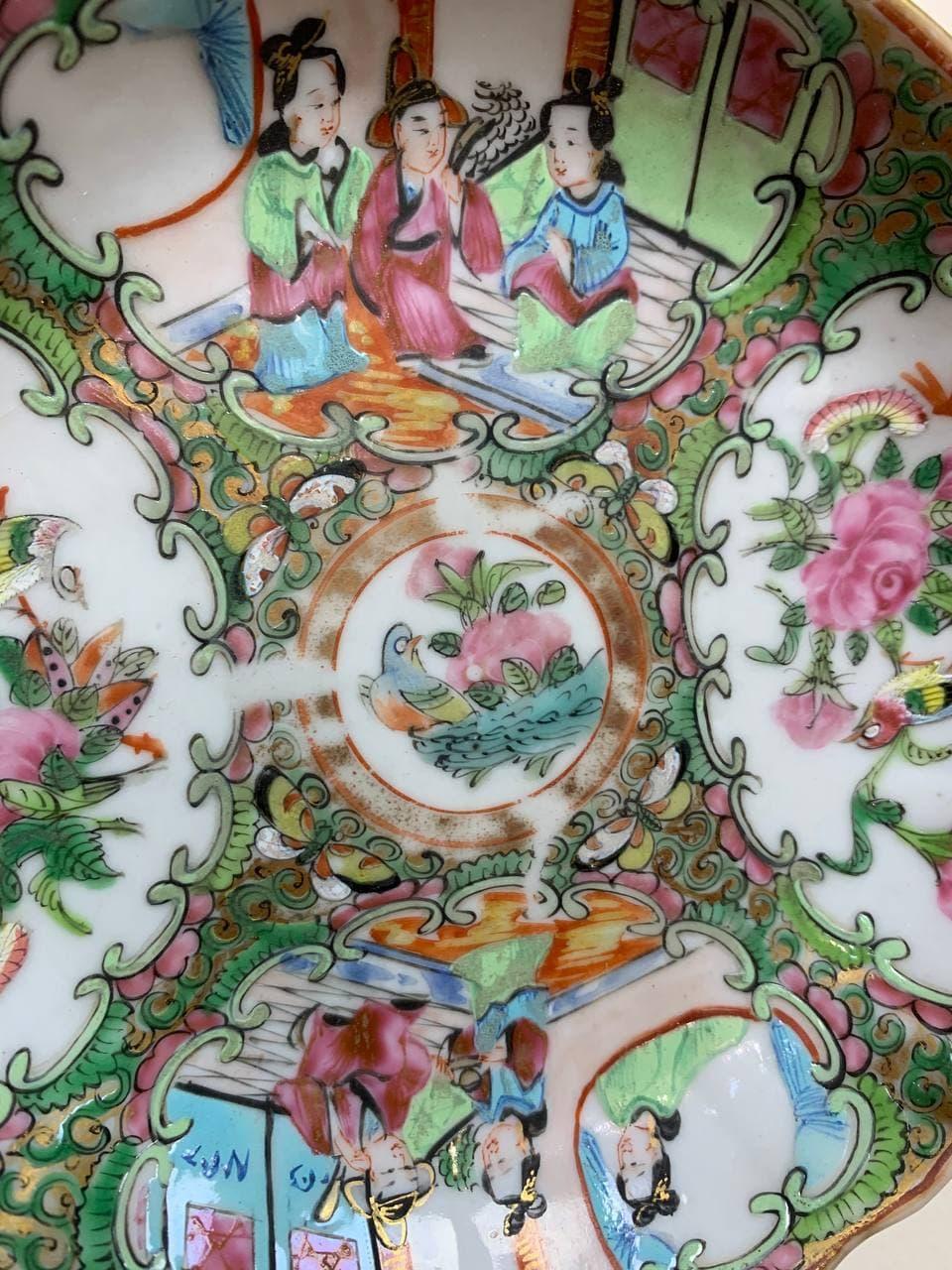 Антикварные тарелки в стиле Шинуазри
