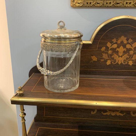 Антикварная бисквитница из хрусталя и серебренной бронзы