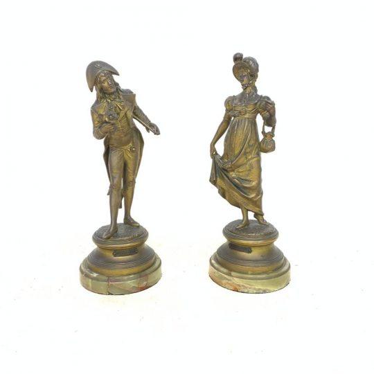Антикварная пара статуэток