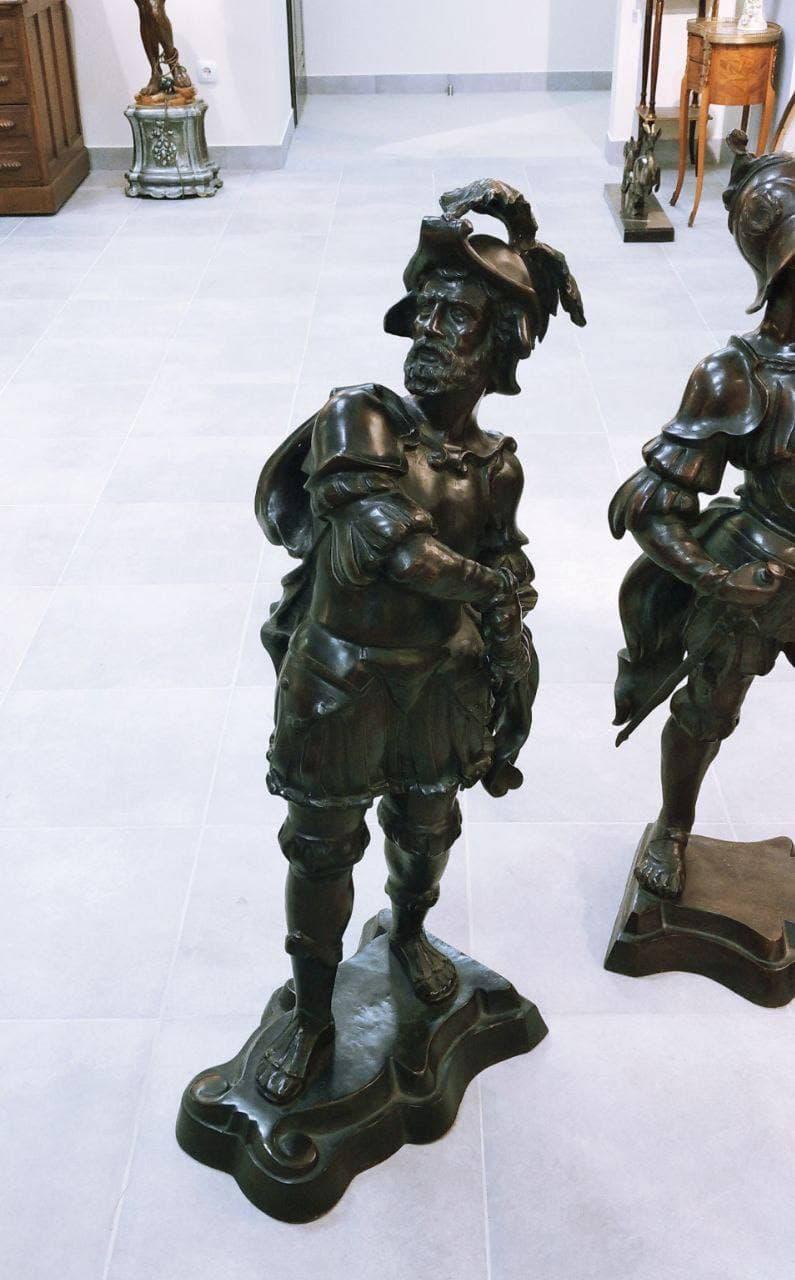 Антикварные статуи воинов из бронзы