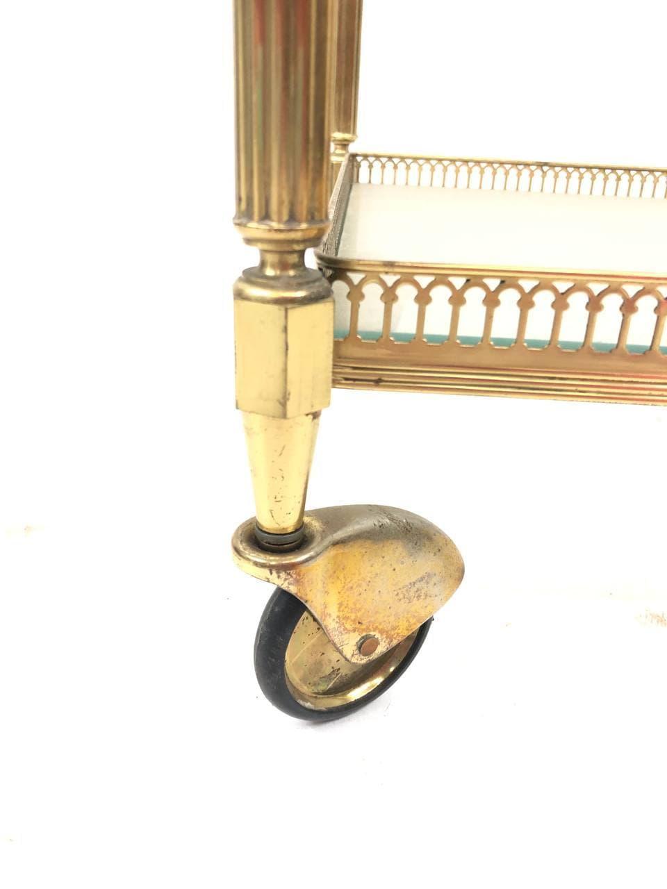 Винтажный сервировочный столик