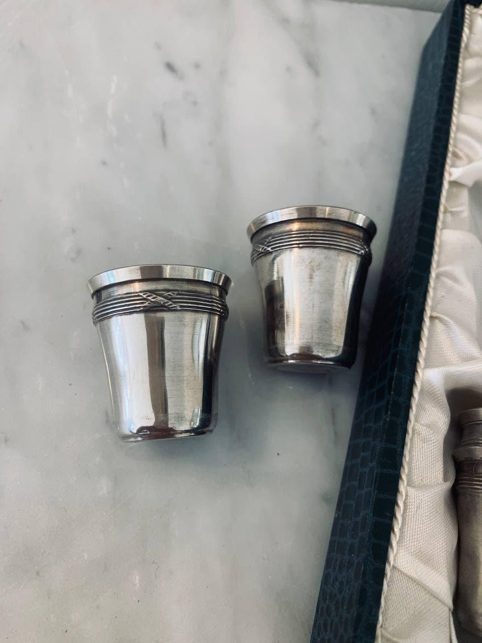 Антикварный набор рюмок из серебра