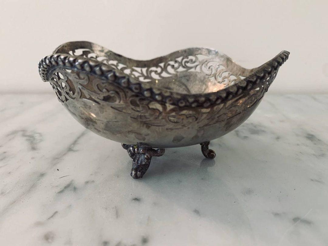 Антикварная серебряная ваза для оливок