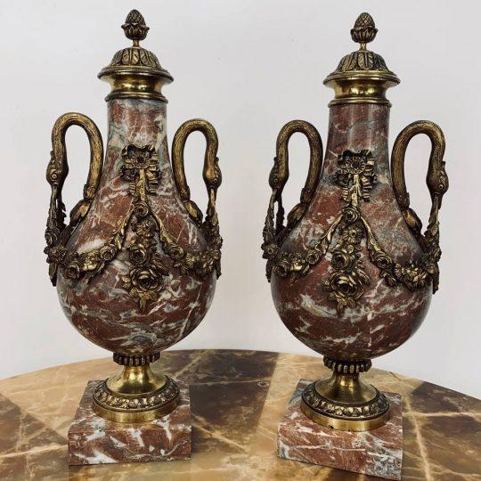 Антикварные касолеты из мрамора в бронзовой оправе