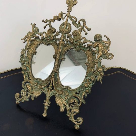 Антикварное настольное зеркало из бронзы