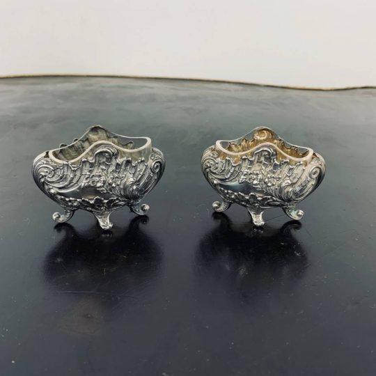 Антикварная пара солонок из серебра
