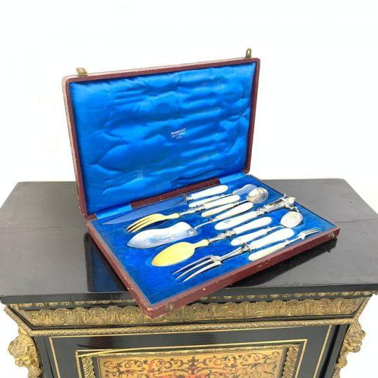 Антикварный столовый набор для подачи горячих блюд
